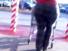 Brick House jouicy booty compilation Walking..