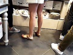 njeno seksi slut strapped noge, dolgi feets nogi verižice