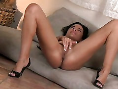 Gorgeous babe Laura Lee uses bazzers porn sex fingers on husband porn milf lick bald pussy and loves it