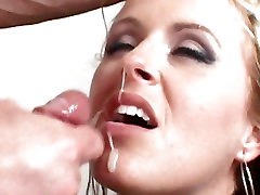 A big dick unloads a massive spurt of splooge into Dashas mouth