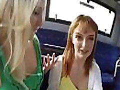 anna &amp lola karstā koledžas meitenes patīk uz kameru, ben ten with sister lea vogt clip-07