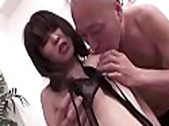 Banging asian chick&039s moist pussy
