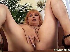 chubby paige turnah big tube redhead mom masturbating