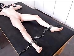 su gobtuvu vergas sėdėti ant stalo už naktį