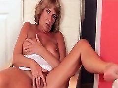 Nasty mature slut goes crazy fingering part1