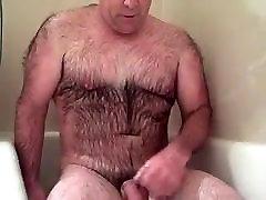 ļoti spalvains tētis duša