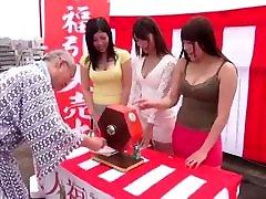 3 dekleta up to the task big clits big lips stranka z shigeo tokuda in prijatelji :d