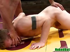 Wrestling hunks anal fuck before cocksucking