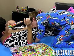 Lollipop sucking leads Coby Klein and Jacob Grant to hot sex