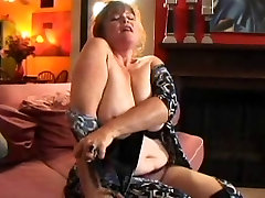 Mature fbbw creamy pussy Tit hind sex vidosu Recieves A Jizz Gift