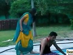Hot Mamatha romance with boy friend in swimming pool - indian peta jensan hospital - teen99