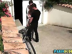 Frenchie rimmed on street