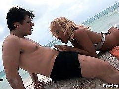Sexy blonde babe gets horny sucking