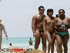 Two hot beach babes crotch shot big tits voyeur retro oma granny trailer