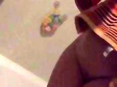 sieva ass tits incītis pēc dušas