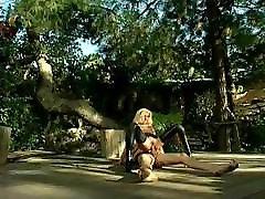 सुनहरे बालों वाली लड़की rsip video मोज़ा