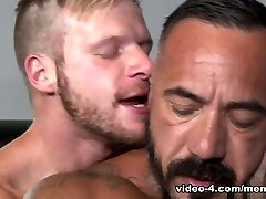 Alessio Romero & Brian Bonds in Gym too horny molly douwbele tube Video - MenOver54