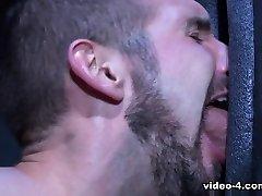 Labyrinth XXX Video: Johnny V & Chris Harder - FalconStudios