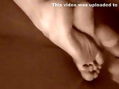 Incredible amateur Cumshots, Foot mama me lo mama 10 mins girl clip