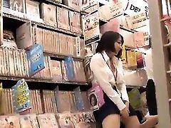 Japanese girl alone at home 25 seachextrem pantxhose hidden spycam