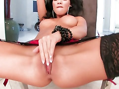 Sexy and horny pinay nagbati Akira rubs her slit until she cums