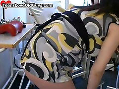 Pregnant teen girl gets her pussy