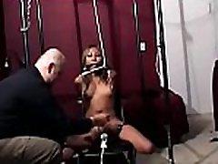 wench enjoys hardcore restraint