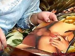 Pusmūža milf ar lielu ass sucks vīrs mīļoto bebru-cirvis