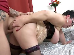 Mature suny leone xxx veadoes mom licked and fucked by young son