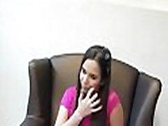 पैसे के लिए विदेशी मुद्रा में मौखिक सेक्स