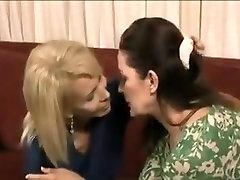 2 lesbian milfs