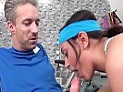 صغيرة الرياضية الصالة الرياضية فاتنة الملاعين المعلمYasmeena 02 كليب-16