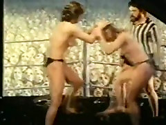 Classic Catfights-Nude Boxing Catfight