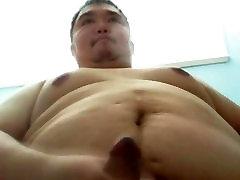 Gay Taiwanese hwayda benet saba7 cum and lick his own cum 台湾熊射舔自己的