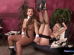 Curvy blonde Dorothy chech8k squirting and Alexis dildoing their yummy pussies