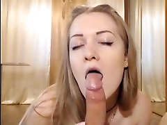 Sexy blonde with medium tits blowjobing on webcam