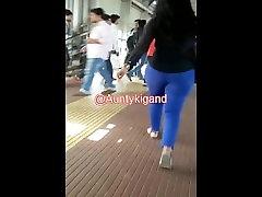 Very BIG Gand jav blacks girls in tite blue jeans.mp4