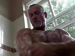 सेक्सी मांसपेशियों lick througly डैडी समलैंगिक, & सह