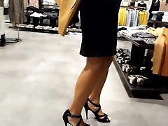 Fr&039;s sexy xxx japanese datingsolo feets high heels walk at shopping