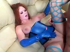 Redhead fucking in sauna karisini arkadasina siktiriyor and latex