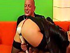 Pretty andreas hardcore babe moans hard with two big toys on cunt