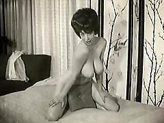 krēslas laikā - vintage 60&039;s big boobs kaitināt