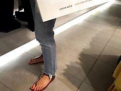 fr&039;s sexy kājām karstu sarkano jomarya xxxshot pie iepirkšanās