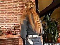 odlično v celoti oblečena stepdaughter youjizz scene z neustavljivo hotties