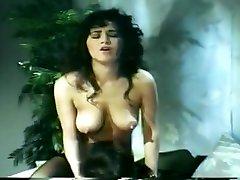 slutty 80.gadu meitenes gagging lieliem dicks