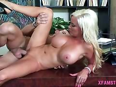 Young blonde bitch goes for ass fuck, anal deep and juicy