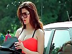 kainaat arora big boobs,indian actress