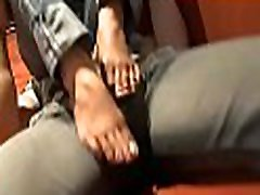 Sexy chicas de joyabaj de sherly takes off high heels and gets her hot feet licked