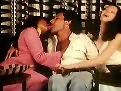 Best homemade Vintage, Threesomes sex nextdoor scene