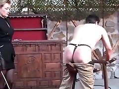 Crazy Spanking, nag iiyot habang naliligo adult scene